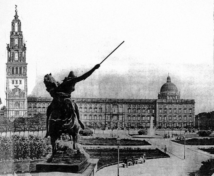 Nördliche Lustgartenfassade des Schlosses vom Lustgarten aus gesehen mit Blick auf den Kaiserturm.