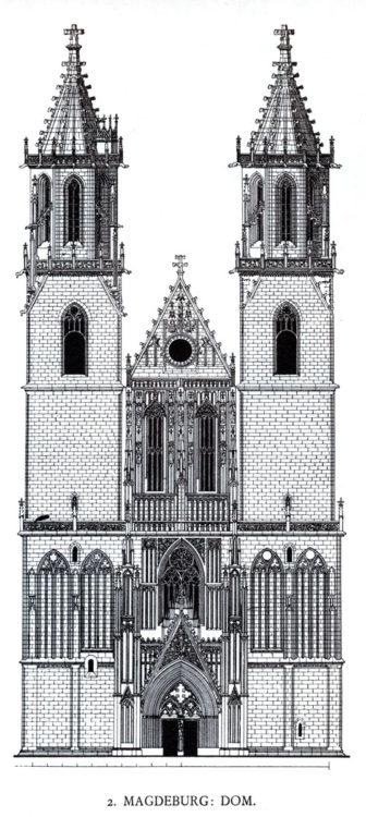 Magdeburg. Dom. Fassade Spätgotisch. Variationen am Schaft des oktogonalen Turmgeschosses.