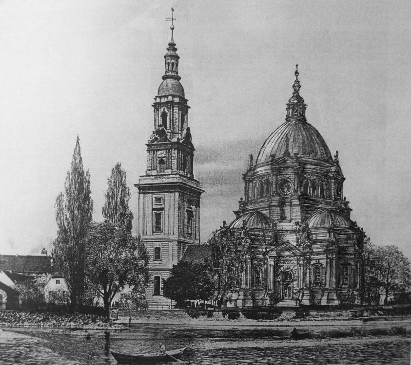 Potsdam Heilig-Geist Kirche. Perspektive von Süden auf die Kirche. Der Ausbauplan zeigt die Variante mit dem Kuppelbau.