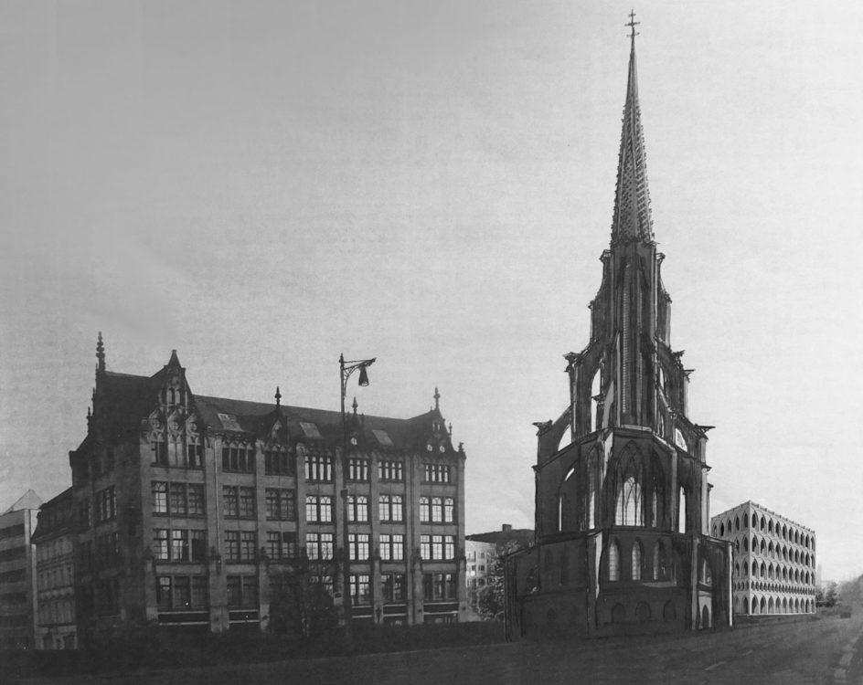 Berlin. Neue Petrikirche. Der Neubau der 1945 zerstörten und um 1960 endgütig abgetragenen Kirche entsteht als Zentralbau in modernen gotischen Formen neu. Die Idee geht von einem Plan Professors Hans Kollhoffs von 2000 aus.
