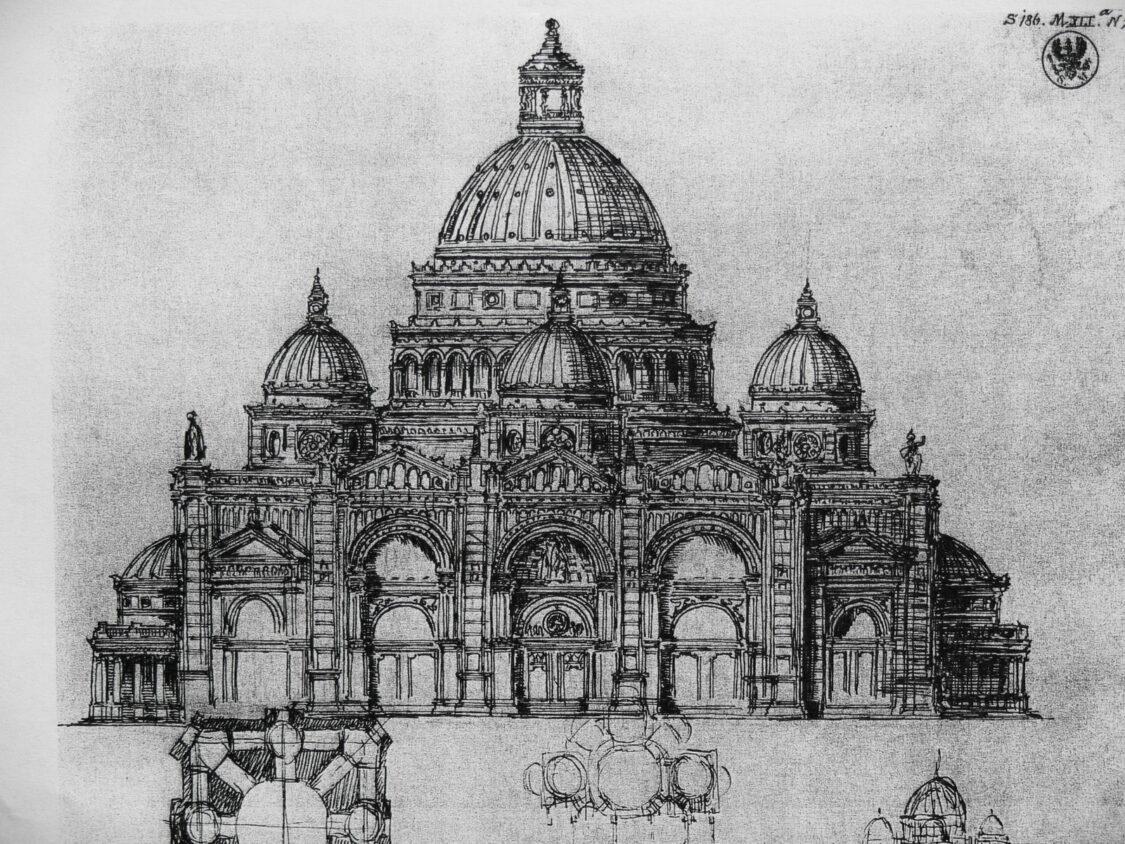 Berlin Dom in klassizistischen Renaissanceformen Bramantes von Schinkel erwogen und vom Autor überarbeitet. Ein Zentralbau mit Kuppel und Nebenkuppeln wird durch ein Langhaus nach Westen erweitert. Zu sehen ist die westliche Portalfront. Als Standort ist bereits der Lustgarten vorgesehen.