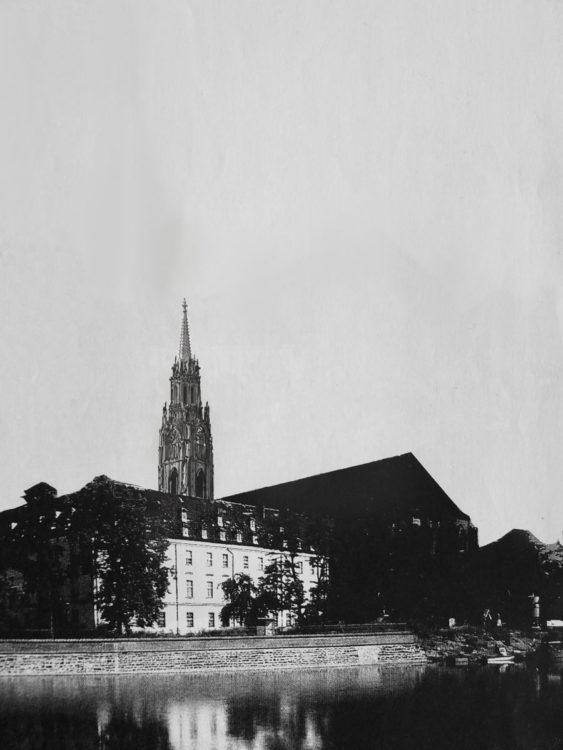 Breslau Sandkirche Ausbau des Turms als Massivbau mit steinernem Helm.