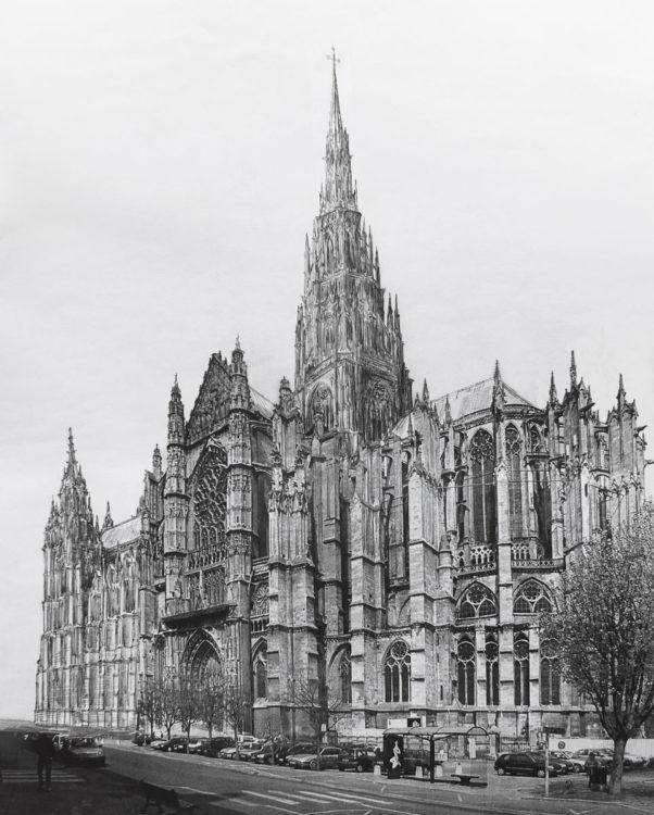 Kathedrale von Beauvais mit vollständig ausgebautem Vierungsturm und dem Langhaus mit den stumpf geplanten Westtürmen.