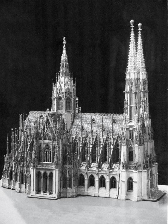 Votivkirche mit Vierungsturm