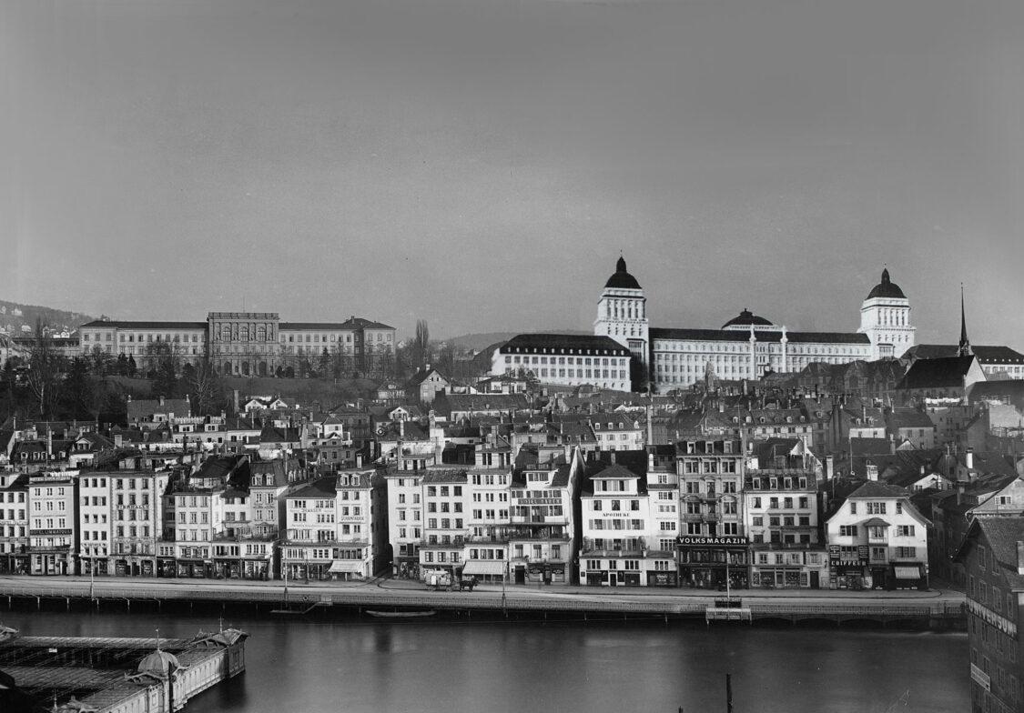 Zürich. Neue Universität oberhalb der Stadt nach den Vorstellungen des Architekten Karl Moser.