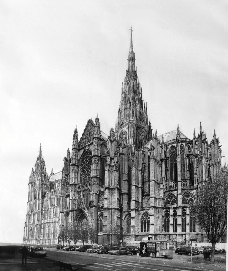 Kathedrale von Beauvais mit vollständig ausgebautem Vierungsturm und dem Langhaus mit den stumpf geplanten Westtürmen. Perpektive