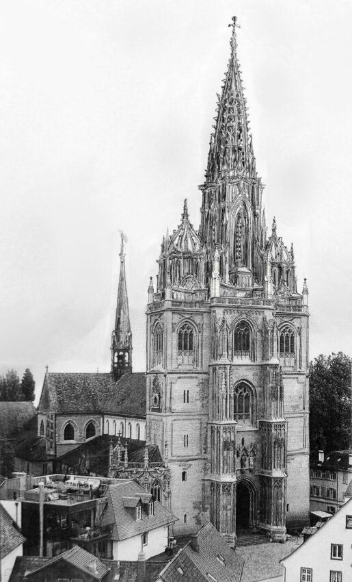 Konstanz: Turmlösung mit kleinen Kuppeln