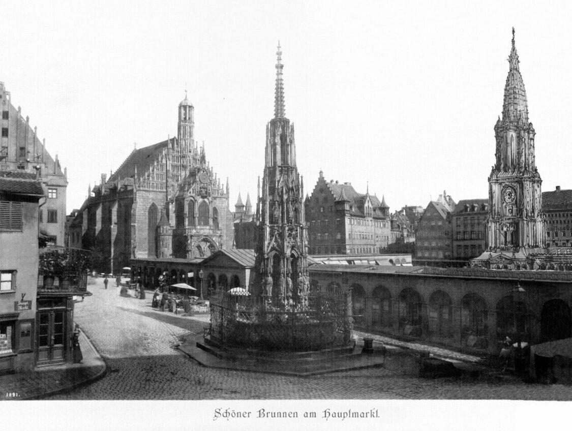 Nürnberg Stadtturm Dürer Perspektive mit Schönem Brunnen