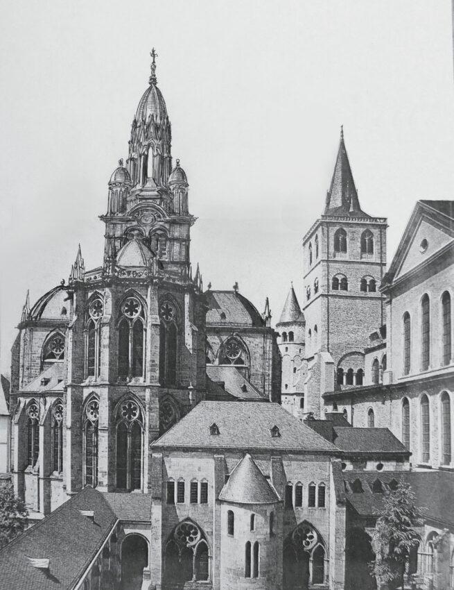 Trier Vierungsturm mit neuer Kuppel